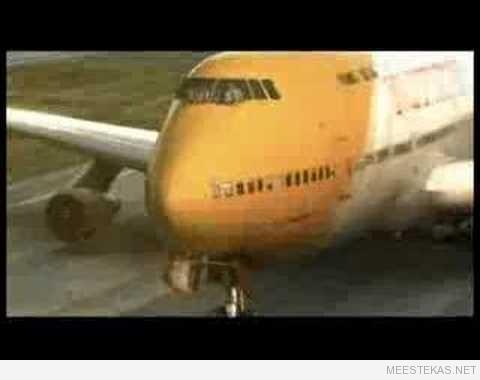 Lennukid rallimas