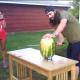 Kuidas purustada arbuus (video)