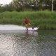 Legendaarne Laird Hamilton viib oma mootoriga surfilaua maja taga olevale jõele