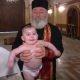 Ristimine või lapse piinamine? Peapiiskop või habemega kriminaal? Ristimine Gruusias tekitab küsimusi