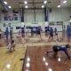 Keskkooli võrkpallimängija teeb absurdse pääste!