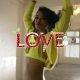 Mis toimub? Jõulud on läbi aga LOVE ajakirja advendivideod ilmuvad edasi – Shanina Shaik