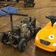 Kaks tüüpi panevad ketassae mootori laste mänguauto peale