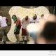 5 meest ja 21 000 värvikuuli (video)