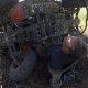 Mootorrattur avastab metsaradu ja satub maas lebava kiivri peale, leiab ATV all kinni oleva mehe