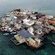 1200 inimest elavad kahe jalgpalliväljaku suurusel saarel