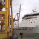 Barcelonas sõidab laev vastu sadamakraanat ja tekitab sellega kaose