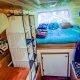 21-aastane kutt vahetas korteri suurlinnas välja selle Sprinter bussi vastu, et nautida elu ratastel